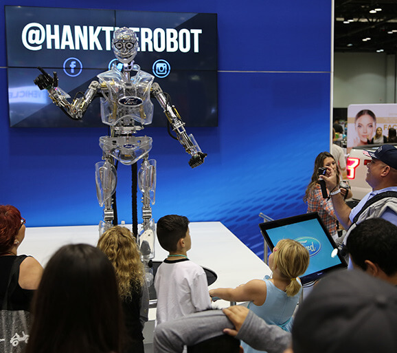 Ford robot dazzles auto show crowd